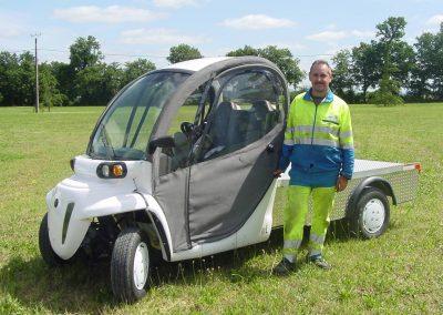 voiture électrique pour l'agent chargé de la propreté